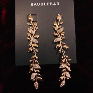 NWT Gold Olive Branch Earrings
